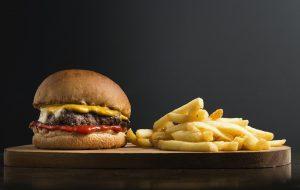 健康を損なう食事